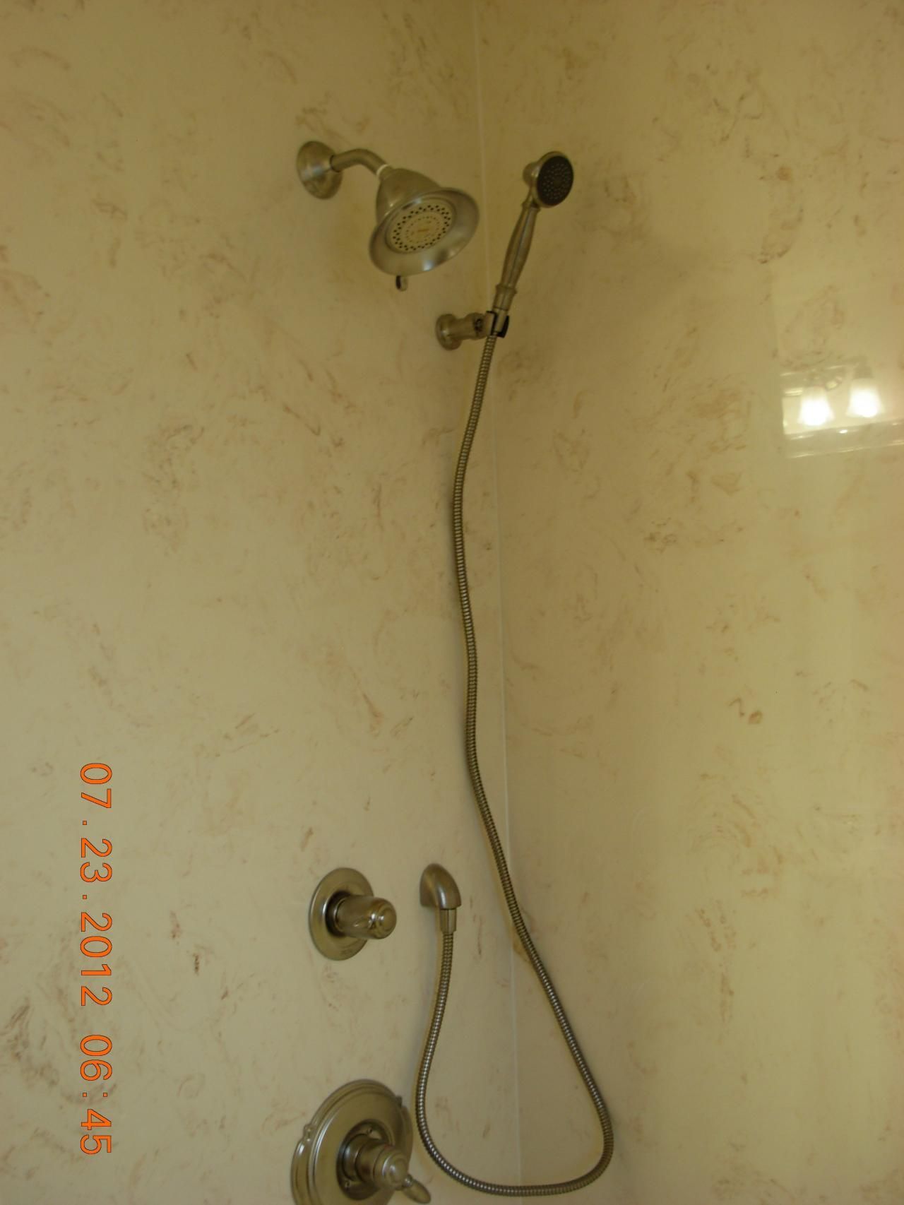 Bathroom 11 - Delta tub and shower faucet