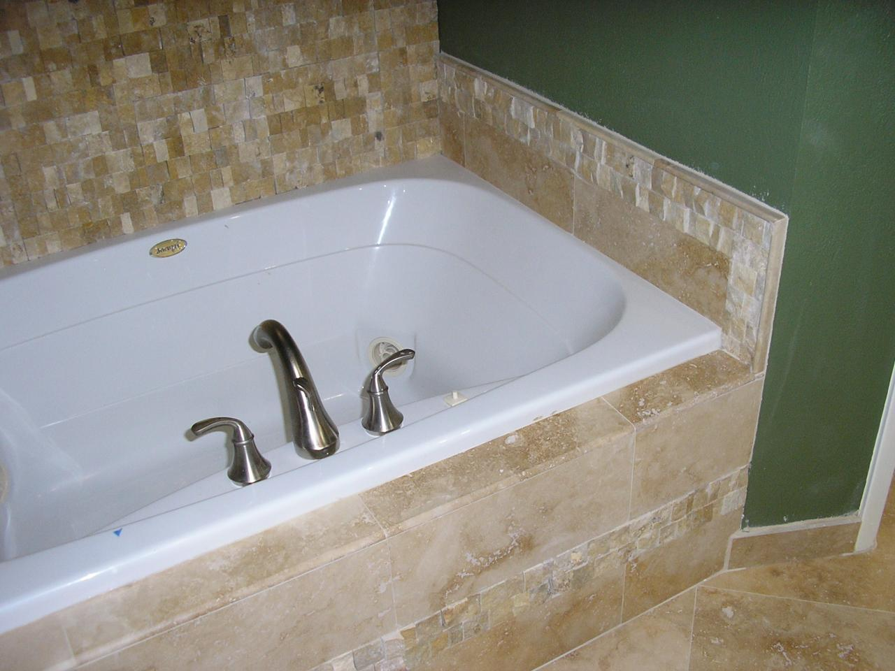 Bathroom 9 - Tub View